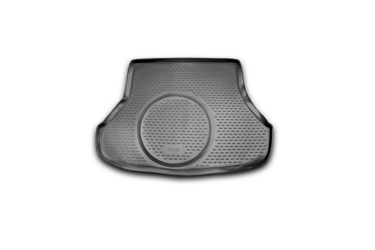 Коврик автомобильный Novline-Autofamily для Kia Cerato седан 2013-, в багажникNLC.25.48.B10Автомобильный коврик Novline-Autofamily, изготовленный из полиуретана, позволит вам без особых усилий содержать в чистоте багажный отсек вашего авто и при этом перевозить в нем абсолютно любые грузы. Этот модельный коврик идеально подойдет по размерам багажнику вашего автомобиля. Такой автомобильный коврик гарантированно защитит багажник от грязи, мусора и пыли, которые постоянно скапливаются в этом отсеке. А кроме того, поддон не пропускает влагу. Все это надолго убережет важную часть кузова от износа. Коврик в багажнике сильно упростит для вас уборку. Согласитесь, гораздо проще достать и почистить один коврик, нежели весь багажный отсек. Тем более, что поддон достаточно просто вынимается и вставляется обратно. Мыть коврик для багажника из полиуретана можно любыми чистящими средствами или просто водой. При этом много времени у вас уборка не отнимет, ведь полиуретан устойчив к загрязнениям. Если вам приходится перевозить в багажнике тяжелые грузы,...