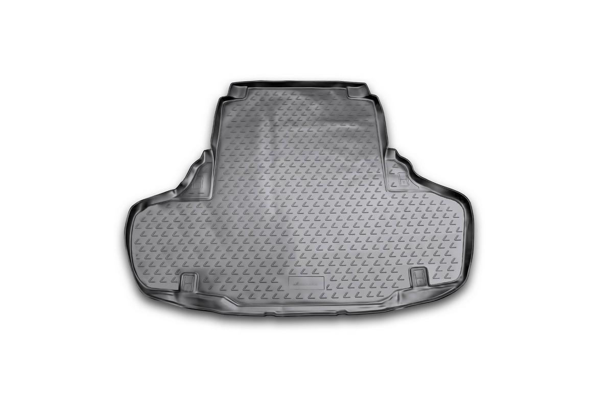 Коврик в багажник автомобиля Novline-Autofamily для Lexus GS 250/350, 2012 -NLC.29.21.B10Автомобильный коврик в багажник позволит вам без особых усилий содержать в чистоте багажный отсек вашего авто и при этом перевозить в нем абсолютно любые грузы. Этот модельный коврик идеально подойдет по размерам багажнику вашего авто. Такой автомобильный коврик гарантированно защитит багажник вашего автомобиля от грязи, мусора и пыли, которые постоянно скапливаются в этом отсеке. А кроме того, поддон не пропускает влагу. Все это надолго убережет важную часть кузова от износа. Коврик в багажнике сильно упростит для вас уборку. Согласитесь, гораздо проще достать и почистить один коврик, нежели весь багажный отсек. Тем более, что поддон достаточно просто вынимается и вставляется обратно. Мыть коврик для багажника из полиуретана можно любыми чистящими средствами или просто водой. При этом много времени у вас уборка не отнимет, ведь полиуретан устойчив к загрязнениям. Если вам приходится перевозить в багажнике тяжелые грузы, за сохранность автоковрика можете не беспокоиться. Он...