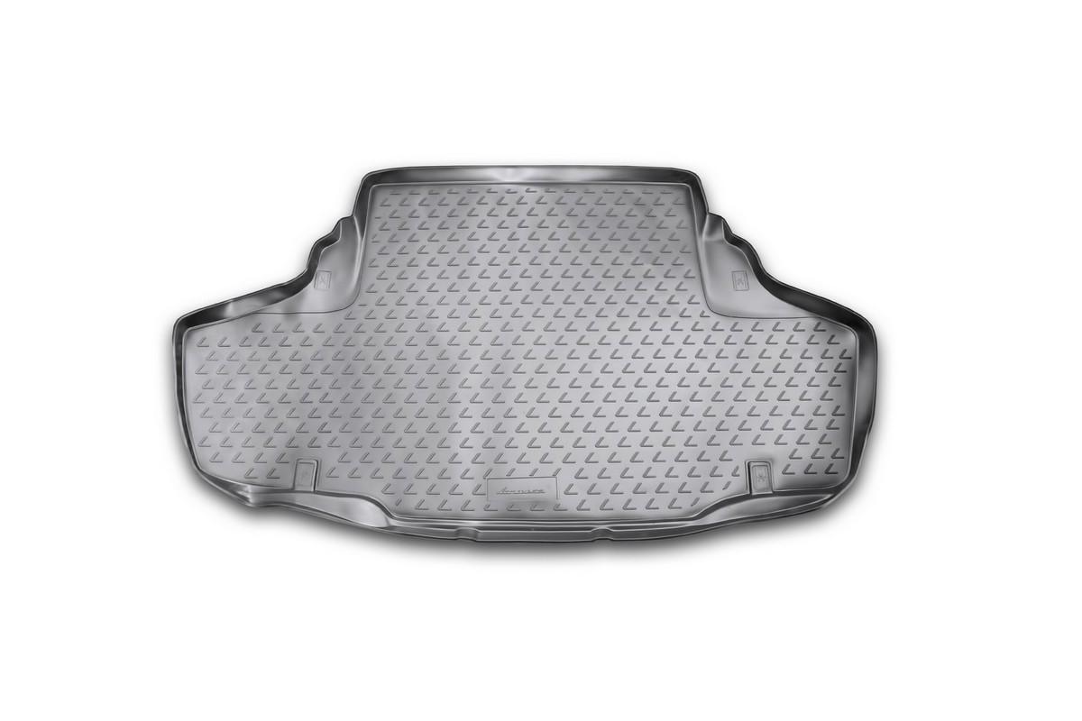 Коврик автомобильный Novline-Autofamily для Lexus GS450H седан 2012-, в багажникNLC.29.25.B10Автомобильный коврик Novline-Autofamily, изготовленный из полиуретана, позволит вам без особых усилий содержать в чистоте багажный отсек вашего авто и при этом перевозить в нем абсолютно любые грузы. Этот модельный коврик идеально подойдет по размерам багажнику вашего автомобиля. Такой автомобильный коврик гарантированно защитит багажник от грязи, мусора и пыли, которые постоянно скапливаются в этом отсеке. А кроме того, поддон не пропускает влагу. Все это надолго убережет важную часть кузова от износа. Коврик в багажнике сильно упростит для вас уборку. Согласитесь, гораздо проще достать и почистить один коврик, нежели весь багажный отсек. Тем более, что поддон достаточно просто вынимается и вставляется обратно. Мыть коврик для багажника из полиуретана можно любыми чистящими средствами или просто водой. При этом много времени у вас уборка не отнимет, ведь полиуретан устойчив к загрязнениям. Если вам приходится перевозить в багажнике тяжелые грузы,...