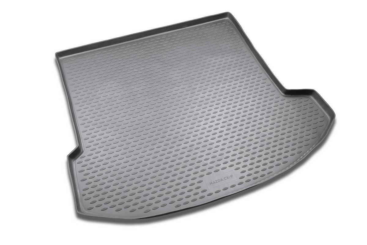 Коврик автомобильный Novline-Autofamily для Mazda CX-9 кроссовер 2007-2012, 2012-, в багажник. NLC.33.16.G13NLC.33.16.G13Автомобильный коврик Novline-Autofamily, изготовленный из полиуретана, позволит вам без особых усилий содержать в чистоте багажный отсек вашего авто и при этом перевозить в нем абсолютно любые грузы. Этот модельный коврик идеально подойдет по размерам багажнику вашего автомобиля. Такой автомобильный коврик гарантированно защитит багажник от грязи, мусора и пыли, которые постоянно скапливаются в этом отсеке. А кроме того, поддон не пропускает влагу. Все это надолго убережет важную часть кузова от износа. Коврик в багажнике сильно упростит для вас уборку. Согласитесь, гораздо проще достать и почистить один коврик, нежели весь багажный отсек. Тем более, что поддон достаточно просто вынимается и вставляется обратно. Мыть коврик для багажника из полиуретана можно любыми чистящими средствами или просто водой. При этом много времени у вас уборка не отнимет, ведь полиуретан устойчив к загрязнениям. Если вам приходится перевозить в багажнике тяжелые грузы,...