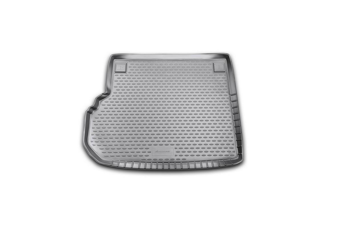 Коврик автомобильный Novline-Autofamily для Mercedes-Benz GLK-Klasse X204 кроссовер 2008-, в багажникNLC.34.22.B13Автомобильный коврик Novline-Autofamily, изготовленный из полиуретана, позволит вам без особых усилий содержать в чистоте багажный отсек вашего авто и при этом перевозить в нем абсолютно любые грузы. Этот модельный коврик идеально подойдет по размерам багажнику вашего автомобиля. Такой автомобильный коврик гарантированно защитит багажник от грязи, мусора и пыли, которые постоянно скапливаются в этом отсеке. А кроме того, поддон не пропускает влагу. Все это надолго убережет важную часть кузова от износа. Коврик в багажнике сильно упростит для вас уборку. Согласитесь, гораздо проще достать и почистить один коврик, нежели весь багажный отсек. Тем более, что поддон достаточно просто вынимается и вставляется обратно. Мыть коврик для багажника из полиуретана можно любыми чистящими средствами или просто водой. При этом много времени у вас уборка не отнимет, ведь полиуретан устойчив к загрязнениям. Если вам приходится перевозить в багажнике тяжелые грузы,...