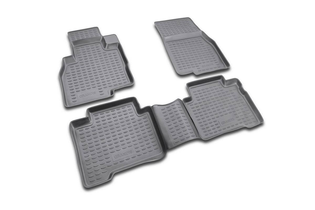 Набор автомобильных ковриков Novline-Autofamily для Mitsubishi Grandis 2003-, в салон, 5 штNLC.35.06.210Набор автомобильных ковриков Novline-Autofamily, изготовленный из полиуретана, состоит из 5 ковриков, которые учитывают все особенности каждой модели автомобиля и полностью повторяют контуры пола. Полиуретановые автомобильные коврики для салона произведены из высококачественного материала, который держит форму, прочный и не пачкает обувь. Коврики в салон не только улучшат внешний вид салона вашего автомобиля, но и надежно уберегут его от пыли, грязи и сырости, а значит, защитят кузов от коррозии. Полиуретановые коврики для автомобиля гладкие, приятные и не пропускают влагу. Ковры для автомобилей надежно крепятся на полу и не скользят, что очень важно во время движения. Чистятся коврики очень просто: как при помощи автомобильного пылесоса, так и различными моющими средствами. Набор подходит для Mitsubishi Grandis с 2003 года выпуска.