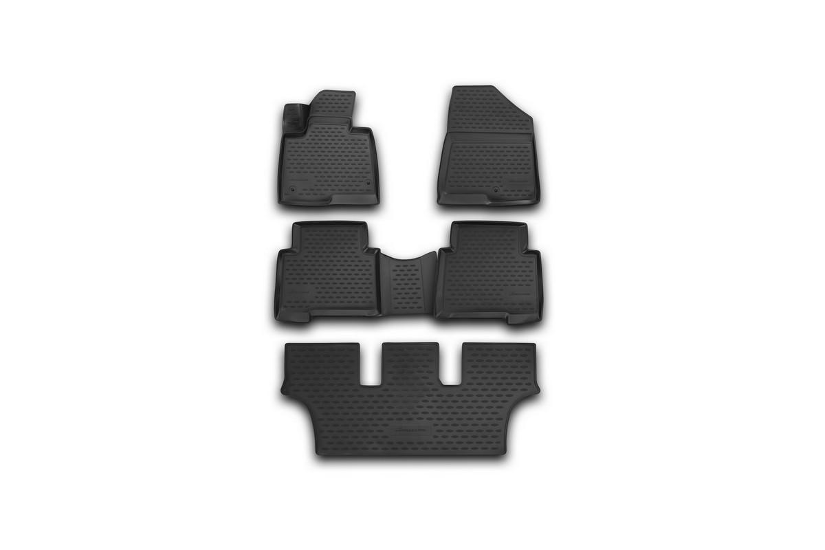 Набор автомобильных 3D-ковриков Novline-Autofamily для Hyundai Grand Fe, 2013->, в салон, 5 штNLC.3D.20.57.210Набор Novline-Autofamily состоит из 5 ковриков, изготовленных из полиуретана. Основная функция ковров - защита салона автомобиля от загрязнения и влаги. Это достигается за счет высоких бортов, перемычки на тоннель заднего ряда сидений, элементов формы и текстуры, свойств материала, а также запатентованной технологией 3D-перемычки в зоне отдыха ноги водителя, что обеспечивает дополнительную защиту, сохраняя салон автомобиля в первозданном виде. Материал, из которого сделаны коврики, обладает антискользящими свойствами. Для фиксации ковров в салоне автомобиля в комплекте с ними используются специальные крепежи. Форма передней части водительского ковра, уходящая под педаль акселератора, исключает нештатное заедание педалей. Набор подходит для Hyundai Grand Fe с 2013 года выпуска.