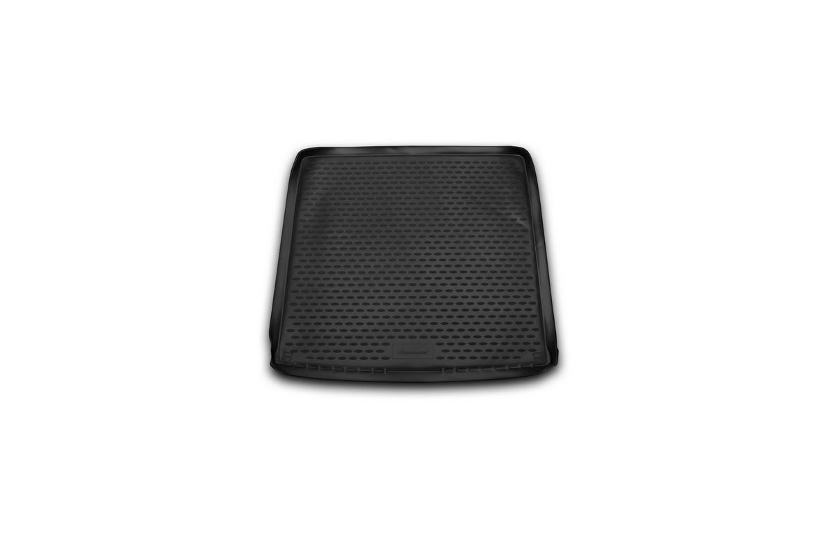 Коврик автомобильный Novline-Autofamily для Renault Duster 4WD кроссовер 2011-2015, 2015-, в багажникNLC.41.28.B13Автомобильный коврик Novline-Autofamily, изготовленный из полиуретана, позволит вам без особых усилий содержать в чистоте багажный отсек вашего авто и при этом перевозить в нем абсолютно любые грузы. Этот модельный коврик идеально подойдет по размерам багажнику вашего автомобиля. Такой автомобильный коврик гарантированно защитит багажник от грязи, мусора и пыли, которые постоянно скапливаются в этом отсеке. А кроме того, поддон не пропускает влагу. Все это надолго убережет важную часть кузова от износа. Коврик в багажнике сильно упростит для вас уборку. Согласитесь, гораздо проще достать и почистить один коврик, нежели весь багажный отсек. Тем более, что поддон достаточно просто вынимается и вставляется обратно. Мыть коврик для багажника из полиуретана можно любыми чистящими средствами или просто водой. При этом много времени у вас уборка не отнимет, ведь полиуретан устойчив к загрязнениям. Если вам приходится перевозить в багажнике тяжелые грузы,...