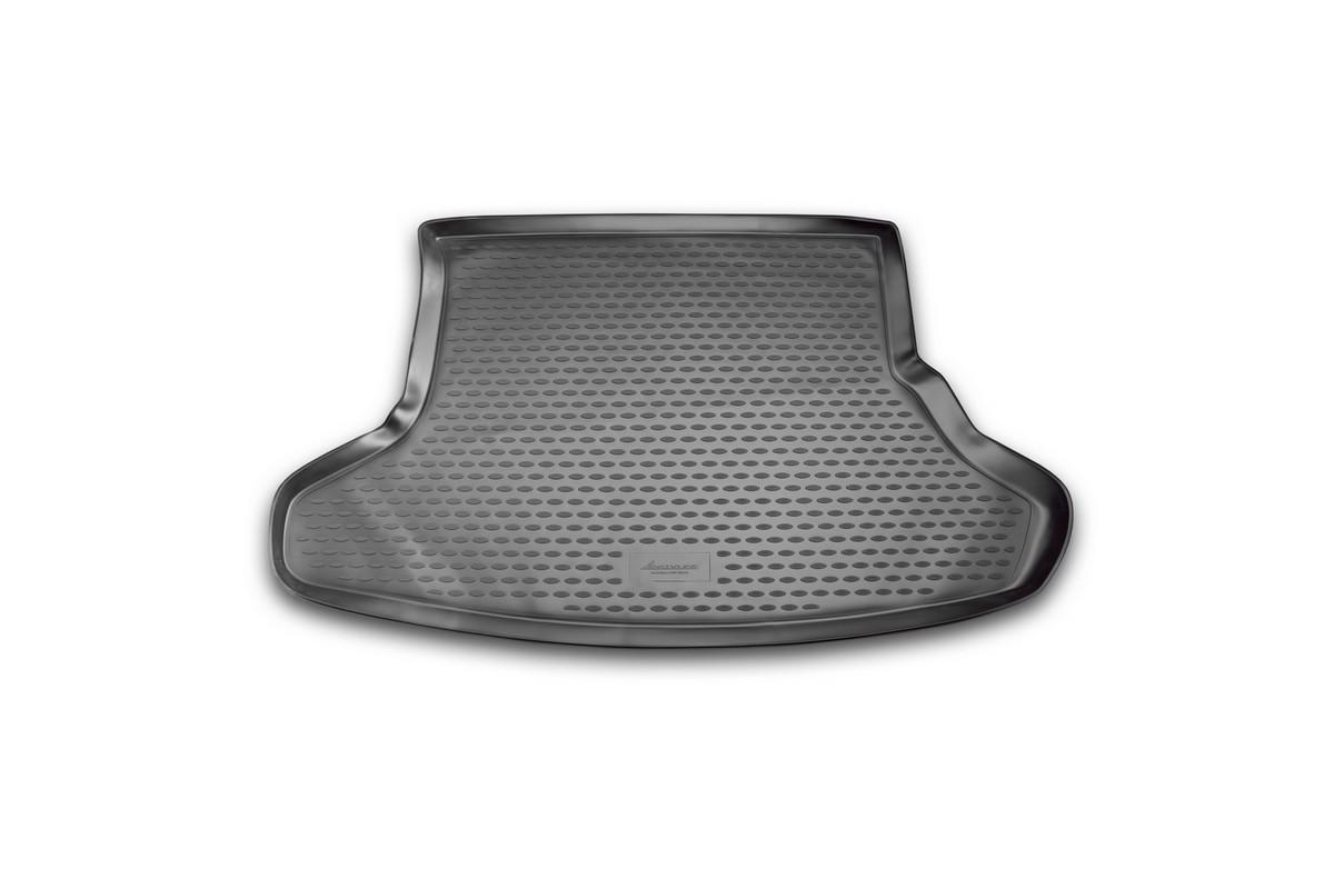Коврик автомобильный Novline-Autofamily для Toyota Prius хэтчбек 2009, 2010, в багажникNLC.48.22.B11Автомобильный коврик Novline-Autofamily, изготовленный из полиуретана, позволит вам без особых усилий содержать в чистоте багажный отсек вашего авто и при этом перевозить в нем абсолютно любые грузы. Этот модельный коврик идеально подойдет по размерам багажнику вашего автомобиля. Такой автомобильный коврик гарантированно защитит багажник от грязи, мусора и пыли, которые постоянно скапливаются в этом отсеке. А кроме того, поддон не пропускает влагу. Все это надолго убережет важную часть кузова от износа. Коврик в багажнике сильно упростит для вас уборку. Согласитесь, гораздо проще достать и почистить один коврик, нежели весь багажный отсек. Тем более, что поддон достаточно просто вынимается и вставляется обратно. Мыть коврик для багажника из полиуретана можно любыми чистящими средствами или просто водой. При этом много времени у вас уборка не отнимет, ведь полиуретан устойчив к загрязнениям. Если вам приходится перевозить в багажнике тяжелые грузы,...