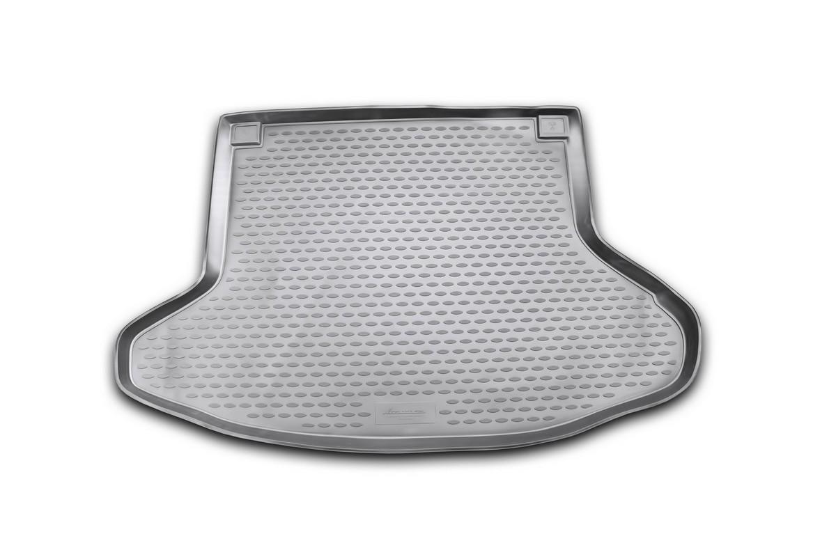 Коврик автомобильный Novline-Autofamily для Toyota Prius хэтчбек 2003-2009, в багажникNLC.48.49.B11Автомобильный коврик Novline-Autofamily, изготовленный из полиуретана, позволит вам без особых усилий содержать в чистоте багажный отсек вашего авто и при этом перевозить в нем абсолютно любые грузы. Этот модельный коврик идеально подойдет по размерам багажнику вашего автомобиля. Такой автомобильный коврик гарантированно защитит багажник от грязи, мусора и пыли, которые постоянно скапливаются в этом отсеке. А кроме того, поддон не пропускает влагу. Все это надолго убережет важную часть кузова от износа. Коврик в багажнике сильно упростит для вас уборку. Согласитесь, гораздо проще достать и почистить один коврик, нежели весь багажный отсек. Тем более, что поддон достаточно просто вынимается и вставляется обратно. Мыть коврик для багажника из полиуретана можно любыми чистящими средствами или просто водой. При этом много времени у вас уборка не отнимет, ведь полиуретан устойчив к загрязнениям. Если вам приходится перевозить в багажнике тяжелые грузы,...