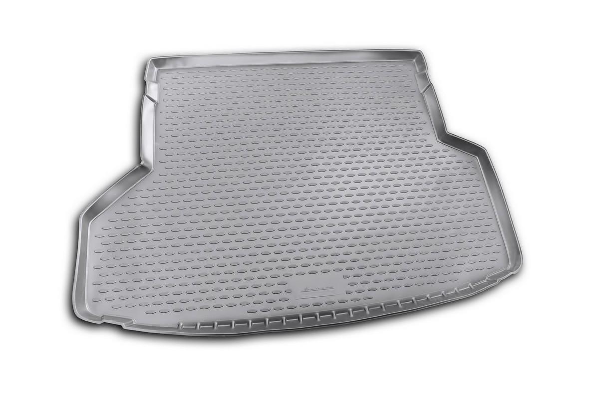 Коврик автомобильный Novline-Autofamily для Toyota Highlander внедорожник 2010-2013, в багажник. NLC.48.50.G13NLC.48.50.G13Автомобильный коврик Novline-Autofamily, изготовленный из полиуретана, позволит вам без особых усилий содержать в чистоте багажный отсек вашего авто и при этом перевозить в нем абсолютно любые грузы. Этот модельный коврик идеально подойдет по размерам багажнику вашего автомобиля. Такой автомобильный коврик гарантированно защитит багажник от грязи, мусора и пыли, которые постоянно скапливаются в этом отсеке. А кроме того, поддон не пропускает влагу. Все это надолго убережет важную часть кузова от износа. Коврик в багажнике сильно упростит для вас уборку. Согласитесь, гораздо проще достать и почистить один коврик, нежели весь багажный отсек. Тем более, что поддон достаточно просто вынимается и вставляется обратно. Мыть коврик для багажника из полиуретана можно любыми чистящими средствами или просто водой. При этом много времени у вас уборка не отнимет, ведь полиуретан устойчив к загрязнениям. Если вам приходится перевозить в багажнике тяжелые грузы,...
