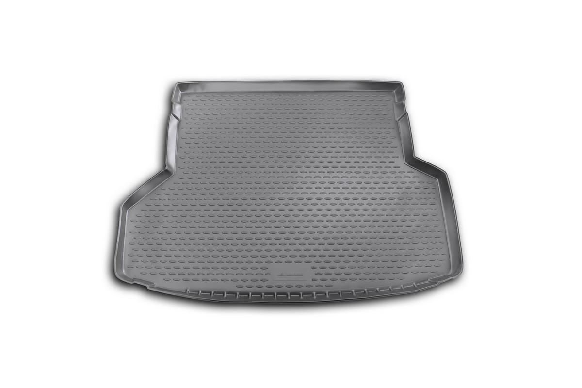 Коврик автомобильный Novline-Autofamily для Toyota Highlander внедорожник 5/7 мест 2012-2014, в багажникNLC.48.55.B13Автомобильный коврик Novline-Autofamily, изготовленный из полиуретана, позволит вам без особых усилий содержать в чистоте багажный отсек вашего авто и при этом перевозить в нем абсолютно любые грузы. Этот модельный коврик идеально подойдет по размерам багажнику вашего автомобиля. Такой автомобильный коврик гарантированно защитит багажник от грязи, мусора и пыли, которые постоянно скапливаются в этом отсеке. А кроме того, поддон не пропускает влагу. Все это надолго убережет важную часть кузова от износа. Коврик в багажнике сильно упростит для вас уборку. Согласитесь, гораздо проще достать и почистить один коврик, нежели весь багажный отсек. Тем более, что поддон достаточно просто вынимается и вставляется обратно. Мыть коврик для багажника из полиуретана можно любыми чистящими средствами или просто водой. При этом много времени у вас уборка не отнимет, ведь полиуретан устойчив к загрязнениям. Если вам приходится перевозить в багажнике тяжелые грузы,...