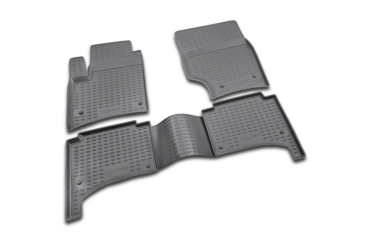 Набор автомобильных ковриков Novline-Autofamily для Volkswagen Touareg 10/2002-, в салон, 4 штNLC.51.01.212Набор автомобильных ковриков Novline-Autofamily, изготовленный из полиуретана, состоит из 4 ковриков, которые учитывают все особенности каждой модели автомобиля и полностью повторяют контуры пола. Полиуретановые автомобильные коврики для салона произведены из высококачественного материала, который держит форму, прочный и не пачкает обувь. Коврики в салон не только улучшат внешний вид салона вашего автомобиля, но и надежно уберегут его от пыли, грязи и сырости, а значит, защитят кузов от коррозии. Полиуретановые коврики для автомобиля гладкие, приятные и не пропускают влагу. Ковры для автомобилей надежно крепятся на полу и не скользят, что очень важно во время движения. Чистятся коврики очень просто: как при помощи автомобильного пылесоса, так и различными моющими средствами. Набор подходит для Volkswagen Touareg октябрь с октября 2002 года выпуска.