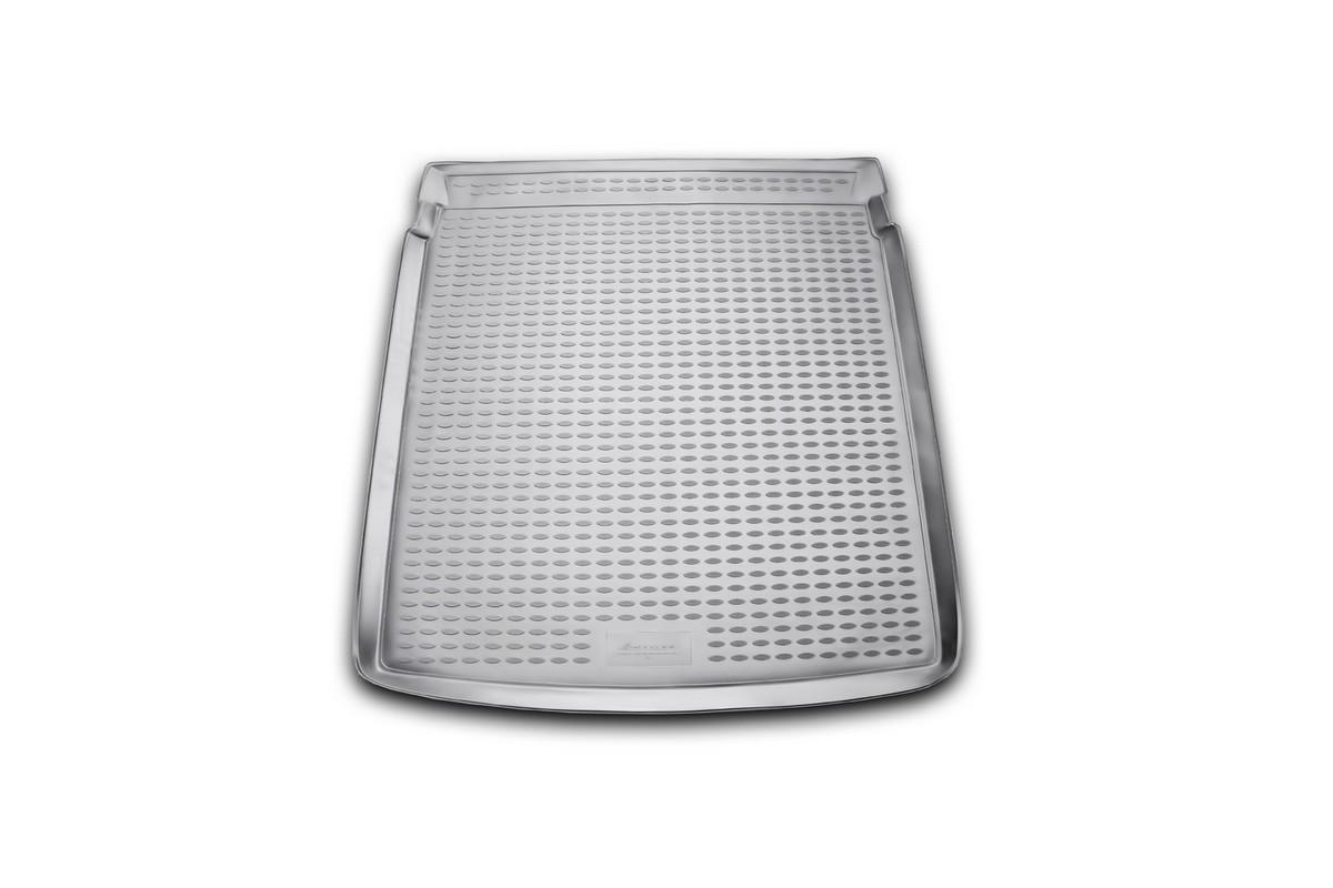 Коврик автомобильный Novline-Autofamily для Volkswagen Passat B7 седан 2011-, в багажникNLC.51.34.B10Автомобильный коврик Novline-Autofamily, изготовленный из полиуретана, позволит вам без особых усилий содержать в чистоте багажный отсек вашего авто и при этом перевозить в нем абсолютно любые грузы. Этот модельный коврик идеально подойдет по размерам багажнику вашего автомобиля. Такой автомобильный коврик гарантированно защитит багажник от грязи, мусора и пыли, которые постоянно скапливаются в этом отсеке. А кроме того, поддон не пропускает влагу. Все это надолго убережет важную часть кузова от износа. Коврик в багажнике сильно упростит для вас уборку. Согласитесь, гораздо проще достать и почистить один коврик, нежели весь багажный отсек. Тем более, что поддон достаточно просто вынимается и вставляется обратно. Мыть коврик для багажника из полиуретана можно любыми чистящими средствами или просто водой. При этом много времени у вас уборка не отнимет, ведь полиуретан устойчив к загрязнениям. Если вам приходится перевозить в багажнике тяжелые грузы,...