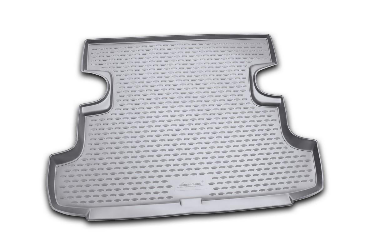 Коврик автомобильный Novline-Autofamily для ВАЗ 2131 Lada 4x4 5D кроссовер 2009-, в багажник. NLC.52.24.B13NLC.52.24.B13Автомобильный коврик Novline-Autofamily, изготовленный из полиуретана, позволит вам без особых усилий содержать в чистоте багажный отсек вашего авто и при этом перевозить в нем абсолютно любые грузы. Этот модельный коврик идеально подойдет по размерам багажнику вашего автомобиля. Такой автомобильный коврик гарантированно защитит багажник от грязи, мусора и пыли, которые постоянно скапливаются в этом отсеке. А кроме того, поддон не пропускает влагу. Все это надолго убережет важную часть кузова от износа. Коврик в багажнике сильно упростит для вас уборку. Согласитесь, гораздо проще достать и почистить один коврик, нежели весь багажный отсек. Тем более, что поддон достаточно просто вынимается и вставляется обратно. Мыть коврик для багажника из полиуретана можно любыми чистящими средствами или просто водой. При этом много времени у вас уборка не отнимет, ведь полиуретан устойчив к загрязнениям. Если вам приходится перевозить в багажнике тяжелые грузы,...
