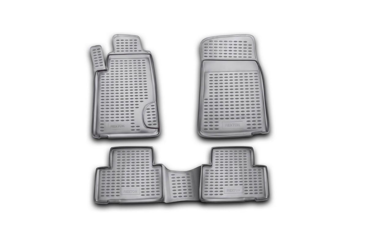 Набор автомобильных ковриков Novline-Autofamily для SsangYong Rexton 2001-2006, в салон, 4 штNLC.61.01.210Набор автомобильных ковриков Novline-Autofamily, изготовленный из полиуретана, состоит из 4 ковриков, которые учитывают все особенности каждой модели автомобиля и полностью повторяют контуры пола. Полиуретановые автомобильные коврики для салона произведены из высококачественного материала, который держит форму, прочный и не пачкает обувь. Коврики в салон не только улучшат внешний вид салона вашего автомобиля, но и надежно уберегут его от пыли, грязи и сырости, а значит, защитят кузов от коррозии. Полиуретановые коврики для автомобиля гладкие, приятные и не пропускают влагу. Ковры для автомобилей надежно крепятся на полу и не скользят, что очень важно во время движения. Чистятся коврики очень просто: как при помощи автомобильного пылесоса, так и различными моющими средствами. Набор подходит для SsangYong Rexton 2001-2006 годов выпуска.
