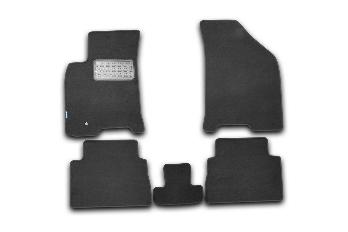 Набор автомобильных ковриков Novline-Autofamily для Chevrolet Lacetti 2004-, седан/хэтчбек/универсал, в салон, 5 штNLT.08.09.11.110khНабор автомобильных ковриков Novline-Autofamily, изготовленный из текстиля, состоит из 5 ковриков, которые учитывают все особенности каждой модели автомобиля и полностью повторяют контуры пола. Текстильные автомобильные коврики для салона произведены из высококачественного материала, который держит форму, прочный и не пачкает обувь. Коврики в салон не только улучшат внешний вид салона вашего автомобиля, но и надежно уберегут его от пыли, грязи и сырости, а значит, защитят кузов от коррозии. Текстильные коврики для автомобиля мягкие и приятные, а их основа из вспененного полиуретана не пропускает влагу. Ковры для автомобилей надежно крепятся на полу и не скользят, что очень важно во время движения. Чистятся коврики очень просто: как при помощи автомобильного пылесоса, так и различными моющими средствами. Набор подходит для Chevrolet Lacetti седан/хэтчбек/универсал с 2004- года выпуска.