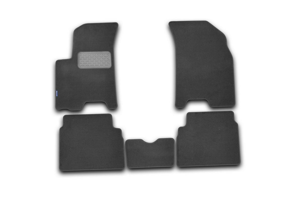 Набор автомобильных ковриков Novline-Autofamily для Chevrolet Aveo 2008, седан/хэтчбек, в салон, 5 штNLT.08.12.11.110khНабор автомобильных ковриков Novline-Autofamily, изготовленный из текстиля, состоит из 5 ковриков, которые учитывают все особенности каждой модели автомобиля и полностью повторяют контуры пола. Текстильные автомобильные коврики для салона произведены из высококачественного материала, который держит форму, прочный и не пачкает обувь. Коврики в салон не только улучшат внешний вид салона вашего автомобиля, но и надежно уберегут его от пыли, грязи и сырости, а значит, защитят кузов от коррозии. Текстильные коврики для автомобиля мягкие и приятные, а их основа из вспененного полиуретана не пропускает влагу. Ковры для автомобилей надежно крепятся на полу и не скользят, что очень важно во время движения. Чистятся коврики очень просто: как при помощи автомобильного пылесоса, так и различными моющими средствами. Набор подходит для Chevrolet Aveo седан/хэтчбек с 2008 года выпуска.