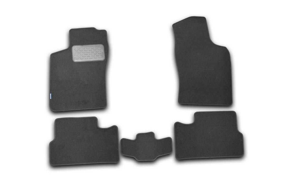 Набор автомобильных ковриков Novline-Autofamily для Daewoo Nexia 2008-, седан, в салон, 5 штNLT.11.09.11.110khНабор автомобильных ковриков Novline-Autofamily, изготовленный из текстиля, состоит из 5 ковриков, которые учитывают все особенности каждой модели автомобиля и полностью повторяют контуры пола. Текстильные автомобильные коврики для салона произведены из высококачественного материала, который держит форму, прочный и не пачкает обувь. Коврики в салон не только улучшат внешний вид салона вашего автомобиля, но и надежно уберегут его от пыли, грязи и сырости, а значит, защитят кузов от коррозии. Текстильные коврики для автомобиля мягкие и приятные, а их основа из вспененного полиуретана не пропускает влагу. Ковры для автомобилей надежно крепятся на полу и не скользят, что очень важно во время движения. Чистятся коврики очень просто: как при помощи автомобильного пылесоса, так и различными моющими средствами. Набор подходит для Daewoo Nexia седан с 2008 года выпуска.