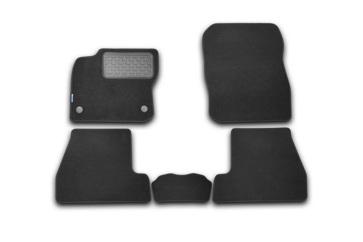 Набор автомобильных ковриков Novline-Autofamily для Ford Focus 3 2011-, хэтчбек, в салон, 5 штNLT.16.32.11.110khНабор автомобильных ковриков Novline-Autofamily, изготовленный из текстиля, состоит из 5 ковриков, которые учитывают все особенности каждой модели автомобиля и полностью повторяют контуры пола. Текстильные автомобильные коврики для салона произведены из высококачественного материала, который держит форму, прочный и не пачкает обувь. Коврики в салон не только улучшат внешний вид салона вашего автомобиля, но и надежно уберегут его от пыли, грязи и сырости, а значит, защитят кузов от коррозии. Текстильные коврики для автомобиля мягкие и приятные, а их основа из вспененного полиуретана не пропускает влагу. Ковры для автомобилей надежно крепятся на полу и не скользят, что очень важно во время движения. Чистятся коврики очень просто: как при помощи автомобильного пылесоса, так и различными моющими средствами. Набор подходит для Ford Focus 3 хэтчбек с 2011 года выпуска.