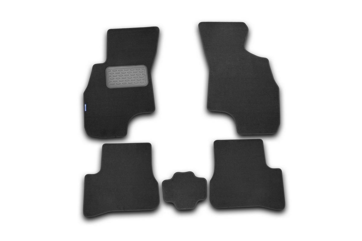 Набор автомобильных ковриков Novline-Autofamily для Hyundai Accent 2000-2005, седан, в салон, 5 штNLT.20.06.11.110khНабор автомобильных ковриков Novline-Autofamily, изготовленный из текстиля, состоит из 5 ковриков, которые учитывают все особенности каждой модели автомобиля и полностью повторяют контуры пола. Текстильные автомобильные коврики для салона произведены из высококачественного материала, который держит форму, прочный и не пачкает обувь. Коврики в салон не только улучшат внешний вид салона вашего автомобиля, но и надежно уберегут его от пыли, грязи и сырости, а значит, защитят кузов от коррозии. Текстильные коврики для автомобиля мягкие и приятные, а их основа из вспененного полиуретана не пропускает влагу. Ковры для автомобилей надежно крепятся на полу и не скользят, что очень важно во время движения. Чистятся коврики очень просто: как при помощи автомобильного пылесоса, так и различными моющими средствами. Набор подходит для Hyundai Accent седан 2000-2005 годов выпуска.