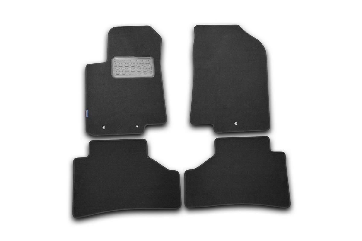 Набор автомобильных ковриков Novline-Autofamily для Hyundai Solaris 2011-, хэтчбек/седан, в салон, цвет: черный, 4 шт. NLT.20.45.11.111khNLT.20.45.11.110khНабор автомобильных ковриков Novline-Autofamily, изготовленный из полиуретана, состоит из 4 ковриков, которые учитывают все особенности каждой модели автомобиля и полностью повторяют контуры пола. Полиуретановые автомобильные коврики для салона произведены из высококачественного материала, который держит форму, прочный и не пачкает обувь. Коврики в салон не только улучшат внешний вид салона вашего автомобиля, но и надежно уберегут его от пыли, грязи и сырости, а значит, защитят кузов от коррозии. Полиуретановые коврики для автомобиля гладкие, приятные и не пропускают влагу. Ковры для автомобилей надежно крепятся на полу и не скользят, что очень важно во время движения. Чистятся коврики очень просто: как при помощи автомобильного пылесоса, так и различными моющими средствами. Набор подходит для Hyundai Solaris хэтчбек/седан с 2011 года выпуска.