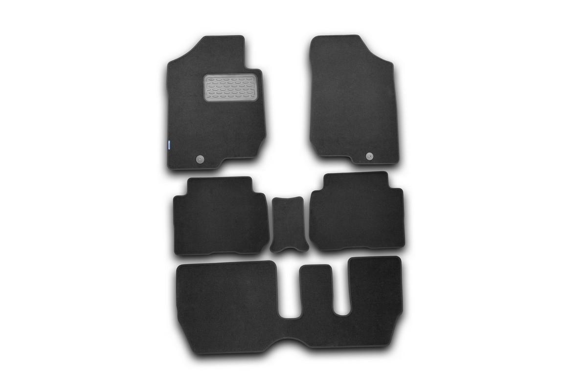Набор автомобильных ковриков Novline-Autofamily для Kia Carens 2006-, универсал, в салон, 6 штNLT.25.30.11.110khНабор автомобильных ковриков Novline-Autofamily, изготовленный из текстиля, состоит из 6 ковриков, которые учитывают все особенности каждой модели автомобиля и полностью повторяют контуры пола. Текстильные автомобильные коврики для салона произведены из высококачественного материала, который держит форму, прочный и не пачкает обувь. Коврики в салон не только улучшат внешний вид салона вашего автомобиля, но и надежно уберегут его от пыли, грязи и сырости, а значит, защитят кузов от коррозии. Текстильные коврики для автомобиля мягкие и приятные, а их основа из вспененного полиуретана не пропускает влагу. Ковры для автомобилей надежно крепятся на полу и не скользят, что очень важно во время движения. Чистятся коврики очень просто: как при помощи автомобильного пылесоса, так и различными моющими средствами. Набор подходит для Kia Carens универсал с 2006 года выпуска.