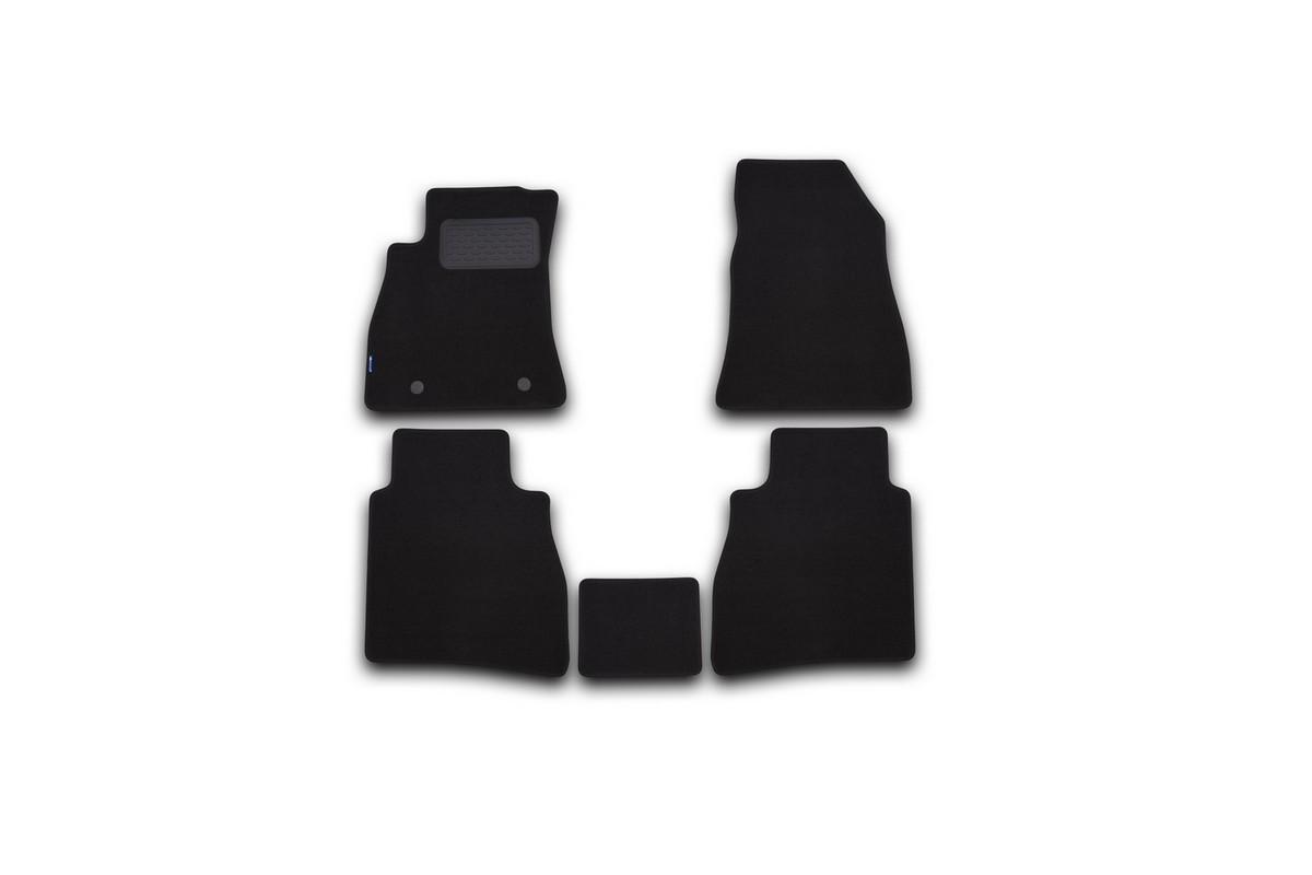 Набор автомобильных ковриков Novline-Autofamily для Nissan Sentra 2014-, седан, в салон, 5 шт. NLT.36.41.11.110khNLT.36.41.11.110khНабор автомобильных ковриков Novline-Autofamily, изготовленный из текстиля, состоит из 5 ковриков, которые учитывают все особенности каждой модели автомобиля и полностью повторяют контуры пола. Текстильные автомобильные коврики для салона произведены из высококачественного материала, который держит форму, прочный и не пачкает обувь. Коврики в салон не только улучшат внешний вид салона вашего автомобиля, но и надежно уберегут его от пыли, грязи и сырости, а значит, защитят кузов от коррозии. Текстильные коврики для автомобиля мягкие и приятные, а их основа из вспененного полиуретана не пропускает влагу. Ковры для автомобилей надежно крепятся на полу и не скользят, что очень важно во время движения. Чистятся коврики очень просто: как при помощи автомобильного пылесоса, так и различными моющими средствами. Набор подходит для Nissan Sentra седан с 2014 года выпуска.