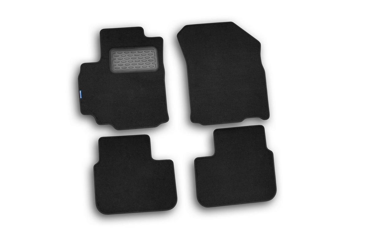 Набор автомобильных ковриков Novline-Autofamily для Suzuki SX4 2007-, хэтчбек/седан, в салон, 5 штNLT.47.19.11.110khНабор автомобильных ковриков Novline-Autofamily, изготовленный из текстиля, состоит из 5 ковриков, которые учитывают все особенности каждой модели автомобиля и полностью повторяют контуры пола. Текстильные автомобильные коврики для салона произведены из высококачественного материала, который держит форму, прочный и не пачкает обувь. Коврики в салон не только улучшат внешний вид салона вашего автомобиля, но и надежно уберегут его от пыли, грязи и сырости, а значит, защитят кузов от коррозии. Текстильные коврики для автомобиля мягкие и приятные, а их основа из вспененного полиуретана не пропускает влагу. Ковры для автомобилей надежно крепятся на полу и не скользят, что очень важно во время движения. Чистятся коврики очень просто: как при помощи автомобильного пылесоса, так и различными моющими средствами. Набор подходит для Suzuki SX4 хэтчбек/седан с 2007 года выпуска.