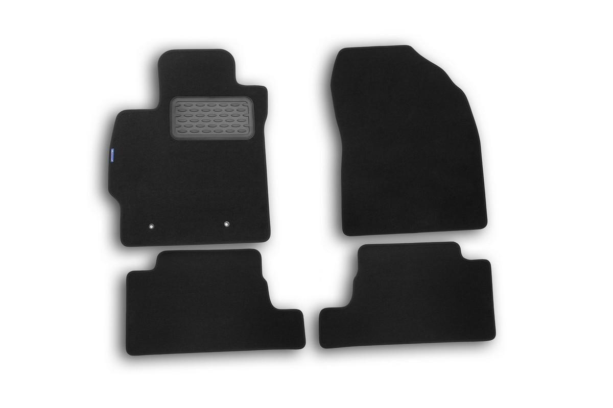 Набор автомобильных ковриков Novline-Autofamily для Toyota Auris 2010-, хэтчбек, в салон, 4 штNLT.48.16.11.110khНабор автомобильных ковриков Novline-Autofamily, изготовленный из текстиля, состоит из 4 ковриков, которые учитывают все особенности каждой модели автомобиля и полностью повторяют контуры пола. Текстильные автомобильные коврики для салона произведены из высококачественного материала, который держит форму, прочный и не пачкает обувь. Коврики в салон не только улучшат внешний вид салона вашего автомобиля, но и надежно уберегут его от пыли, грязи и сырости, а значит, защитят кузов от коррозии. Текстильные коврики для автомобиля мягкие и приятные, а их основа из вспененного полиуретана не пропускает влагу. Ковры для автомобилей надежно крепятся на полу и не скользят, что очень важно во время движения. Чистятся коврики очень просто: как при помощи автомобильного пылесоса, так и различными моющими средствами. Набор подходит для Toyota Auris хэтчбек с 2010 года выпуска.