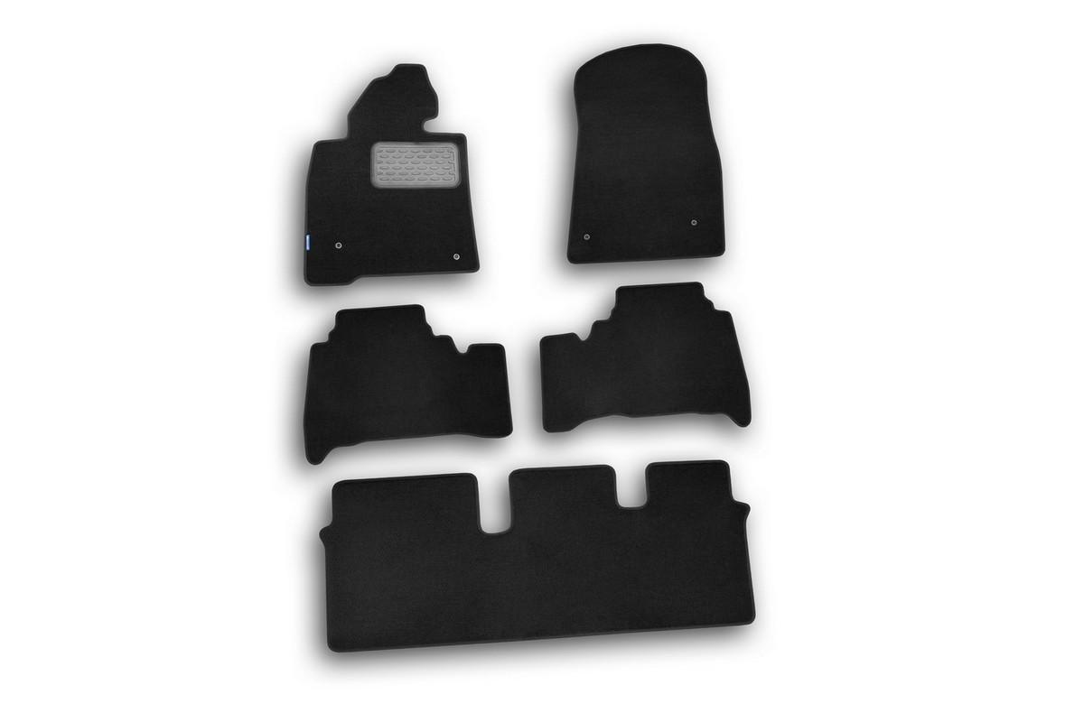 Набор автомобильных ковриков Novline-Autofamily для Toyota Land Cruiser 200 2007-, внедорожник, в салон, 5 штNLT.48.17.11.110khНабор автомобильных ковриков Novline-Autofamily, изготовленный из текстиля, состоит из 5 ковриков, которые учитывают все особенности каждой модели автомобиля и полностью повторяют контуры пола. Текстильные автомобильные коврики для салона произведены из высококачественного материала, который держит форму, прочный и не пачкает обувь. Коврики в салон не только улучшат внешний вид салона вашего автомобиля, но и надежно уберегут его от пыли, грязи и сырости, а значит, защитят кузов от коррозии. Текстильные коврики для автомобиля мягкие и приятные, а их основа из вспененного полиуретана не пропускает влагу. Ковры для автомобилей надежно крепятся на полу и не скользят, что очень важно во время движения. Чистятся коврики очень просто: как при помощи автомобильного пылесоса, так и различными моющими средствами. Набор подходит для Toyota Land Cruiser 200 внедорожник с 2007 года выпуска.
