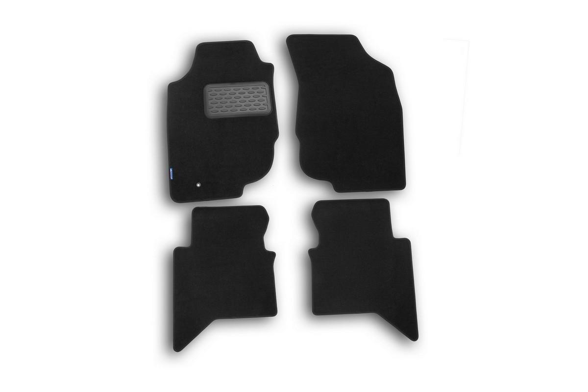 Набор автомобильных ковриков Novline-Autofamily для Toyota Hilux 2010-, пикап, в салон, 4 шт. NLT.48.54.11.110khNLT.48.54.11.110khНабор автомобильных ковриков Novline-Autofamily, изготовленный из текстиля, состоит из 4 ковриков, которые учитывают все особенности каждой модели автомобиля и полностью повторяют контуры пола. Текстильные автомобильные коврики для салона произведены из высококачественного материала, который держит форму, прочный и не пачкает обувь. Коврики в салон не только улучшат внешний вид салона вашего автомобиля, но и надежно уберегут его от пыли, грязи и сырости, а значит, защитят кузов от коррозии. Текстильные коврики для автомобиля мягкие и приятные, а их основа из вспененного полиуретана не пропускает влагу. Ковры для автомобилей надежно крепятся на полу и не скользят, что очень важно во время движения. Чистятся коврики очень просто: как при помощи автомобильного пылесоса, так и различными моющими средствами. Набор подходит для Toyota Hilux пикап с 2010 года выпуска.