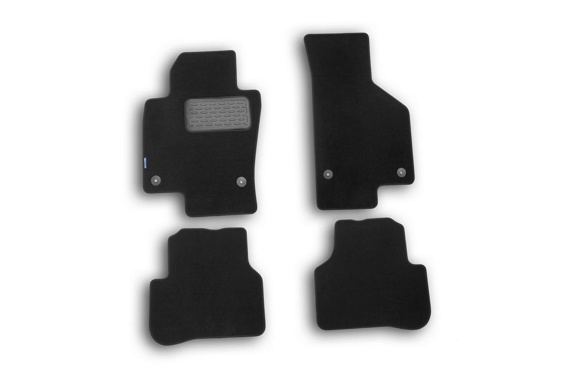 Набор автомобильных ковриков Novline-Autofamily для Volkswagen Passat B7 2011-2015, седан, в салон, 4 шт. NLT.51.34.11.110khNLT.51.34.11.110khНабор автомобильных ковриков Novline-Autofamily, изготовленный из полиуретана, состоит из 4 ковриков, которые учитывают все особенности каждой модели автомобиля и полностью повторяют контуры пола. Полиуретановые автомобильные коврики для салона произведены из высококачественного материала, который держит форму, прочный и не пачкает обувь. Коврики в салон не только улучшат внешний вид салона вашего автомобиля, но и надежно уберегут его от пыли, грязи и сырости, а значит, защитят кузов от коррозии. Полиуретановые коврики для автомобиля гладкие, приятные и не пропускают влагу. Ковры для автомобилей надежно крепятся на полу и не скользят, что очень важно во время движения. Чистятся коврики очень просто: как при помощи автомобильного пылесоса, так и различными моющими средствами. Набор подходит для Volkswagen Passat B7 седан 2011-2015 годов выпуска.