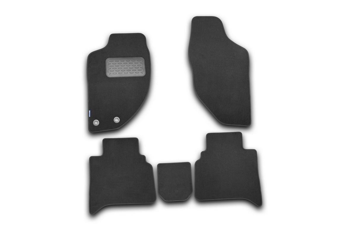 Набор автомобильных ковриков Novline-Autofamily для Great Wall Hover H3/H5 2010-, внедорожник, в салон, 5 штNLT.59.10.11.110khНабор автомобильных ковриков Novline-Autofamily, изготовленный из текстиля, состоит из 5 ковриков, которые учитывают все особенности каждой модели автомобиля и полностью повторяют контуры пола. Текстильные автомобильные коврики для салона произведены из высококачественного материала, который держит форму, прочный и не пачкает обувь. Коврики в салон не только улучшат внешний вид салона вашего автомобиля, но и надежно уберегут его от пыли, грязи и сырости, а значит, защитят кузов от коррозии. Текстильные коврики для автомобиля мягкие и приятные, а их основа из вспененного полиуретана не пропускает влагу. Ковры для автомобилей надежно крепятся на полу и не скользят, что очень важно во время движения. Чистятся коврики очень просто: как при помощи автомобильного пылесоса, так и различными моющими средствами. Набор подходит для Great Wall Hover H3/H5 внедорожник с 2010 года выпуска.