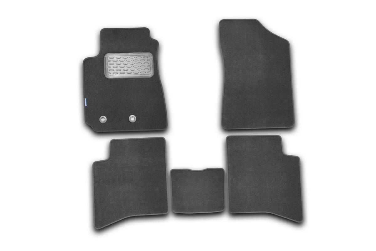 Набор автомобильных ковриков Novline-Autofamily для Geely MK 2006-2012, седан, в салон, 5 штNLT.75.02.11.110khНабор автомобильных ковриков Novline-Autofamily, изготовленный из текстиля, состоит из 5 ковриков, которые учитывают все особенности каждой модели автомобиля и полностью повторяют контуры пола. Текстильные автомобильные коврики для салона произведены из высококачественного материала, который держит форму, прочный и не пачкает обувь. Коврики в салон не только улучшат внешний вид салона вашего автомобиля, но и надежно уберегут его от пыли, грязи и сырости, а значит, защитят кузов от коррозии. Текстильные коврики для автомобиля мягкие и приятные, а их основа из вспененного полиуретана не пропускает влагу. Ковры для автомобилей надежно крепятся на полу и не скользят, что очень важно во время движения. Чистятся коврики очень просто: как при помощи автомобильного пылесоса, так и различными моющими средствами. Набор подходит для Geely MK седан 2006-2012 годов выпуска.