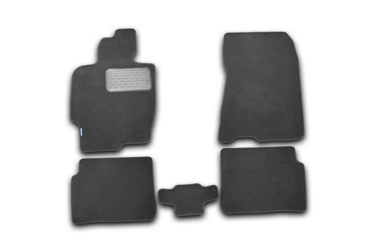 Набор автомобильных ковриков Novline-Autofamily для Haima 3 2010-, седан, в салон, 5 штNLT.83.01.11.110khНабор автомобильных ковриков Novline-Autofamily, изготовленный из текстиля, состоит из 5 ковриков, которые учитывают все особенности каждой модели автомобиля и полностью повторяют контуры пола. Текстильные автомобильные коврики для салона произведены из высококачественного материала, который держит форму, прочный и не пачкает обувь. Коврики в салон не только улучшат внешний вид салона вашего автомобиля, но и надежно уберегут его от пыли, грязи и сырости, а значит, защитят кузов от коррозии. Текстильные коврики для автомобиля мягкие и приятные, а их основа из вспененного полиуретана не пропускает влагу. Ковры для автомобилей надежно крепятся на полу и не скользят, что очень важно во время движения. Чистятся коврики очень просто: как при помощи автомобильного пылесоса, так и различными моющими средствами. Набор подходит для Haima 3 седан с 2010 года выпуска.
