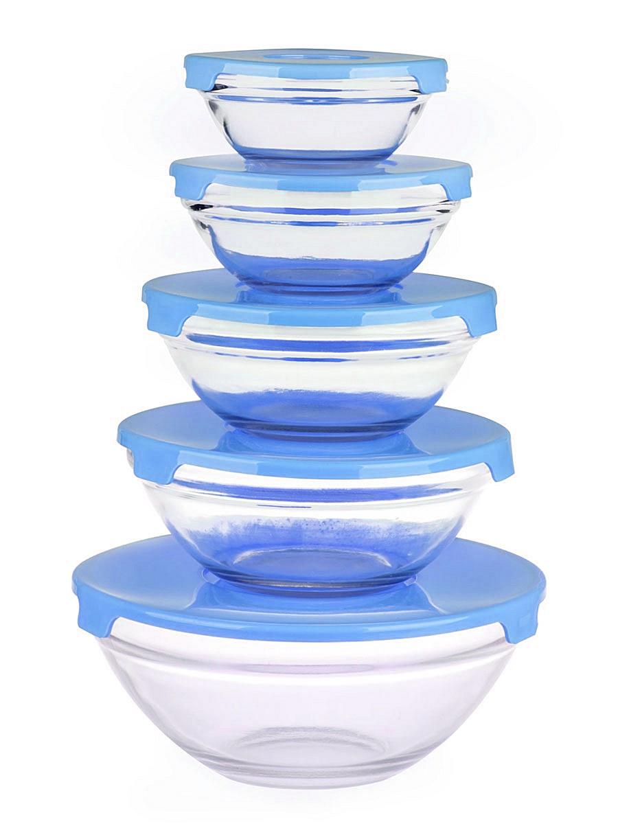 Набор салатников Miolla, с крышками, цвет: прозрачный, голубой, 5 предметов2003290U_прозрачный, голубойНабор Miolla состоит из 5 круглых салатников, выполненных из прочного стекла, и 5 пластиковых крышек. Изделия прекрасно подходят для сервировки салатов и закусок, маленькие салатники идеальны для подачи соусов. Поверхность изделий гладкая и ровная, легко чистится. Салатники снабжены плотно закрывающимися крышками, благодаря которым продукты удобно хранить в холодильнике. Такой набор станет практичным приобретением для вашей кухни. Изделия можно мыть в посудомоечной машине. Не использовать в СВЧ и на открытом огне. Диаметр салатников: 9 см, 11 см, 13 см, 14 см, 17 см. Высота салатников: 3,5 см, 4 см, 5 см, 5,5 см, 7 см.