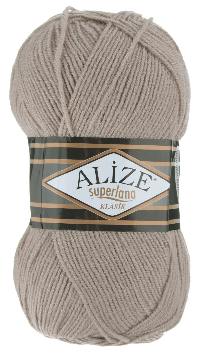 Пряжа для вязания Alize Superlana Klasik, цвет: норка (541), 280 м, 100 г, 5 шт692917_541Классическая пряжа Alize Superlana Klasik имеет среднюю толщину нити и состоит из 25% шерсти и 75% акрила. Подходит для создания вещей на осень. Пуловеры, платья, кардиганы, шапки и шарфы из этой пряжи отлично держат форму и прекрасно согреют вас в холодную погоду. Пряжа Alize Superlana Klasik - это универсальность: подойдет для мастериц различного уровня. Благодаря составу и скрутке петли отлично ложатся одна к другой, вязаное полотно получается ровное и однородное. Рассчитана на любой уровень мастерства, но особенно понравится начинающим мастерицам - благодаря толстой нити пряжа Alize Superlana Klasik позволяет быстро связать простую вещь. Структура и состав пряжи максимально комфортны для вязания. Рекомендуется для вязания крючком и на спицах 3-4 мм. Состав: 75% акрил, 25% шерсть. Количество мотков: 5 шт.