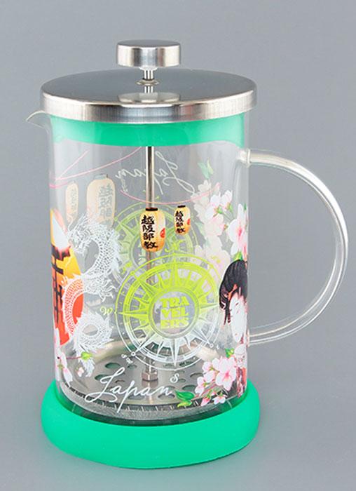 Френч-пресс Viva DeLuxe Japan, цвет: прозрачный, зеленый, 800 мл570051 BF-740(800)Френч-пресс Viva DeLuxe Japan, изготовленный из нержавеющей стали и жаропрочного стекла, прекрасно подойдет для заваривания кофе, чая, травяных настоев и даже какао. Основными достоинствами френч-пресса являются: - возможность регулировать время заваривания, что оказывает влияние на вкус напитка и его крепость, - возможность комбинировать напиток с различными наполнителями (специи, травы). Френч-пресс имеет металлический сетчатый фильтр с загнутыми краями, который обеспечивает высокое качество фильтрации напитка. Ручка из пищевого пластика не нагревается и безопасна в использовании. Яркая подставка из силикона препятствует скольжению чайника. Эстетичный и функциональный френч-пресс Viva DeLuxe Japan будет оригинально смотреться в любом интерьере. Высота френч-пресса (с учетом крышки): 18,5 см. Высота стенки колбы: 16 см. Диаметр (по верхнему краю): 9,5 см.