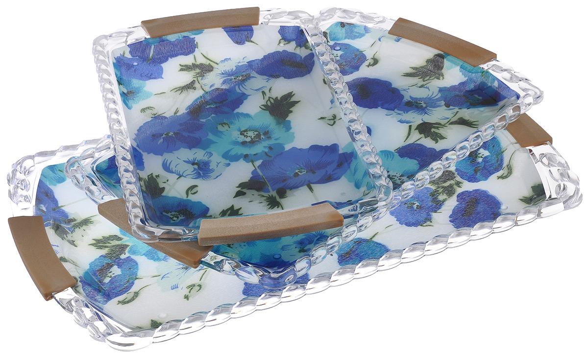 Набор подносов Mayer & Boch Синие маки, 3 шт3250Оригинальный набор Mayer & Boch Синие маки состоит из трех сервировочных подносов разного размера, оснащенных удобными ручками. Изделия, изготовленные из высококачественного пластика, украшены ярким изображением и оформлены изящным рельефным узором по краю. Подносы отлично подойдут для красивой сервировки различных блюд, закусок и фруктов на праздничном столе. Набор подносов Mayer & Boch Синие маки станет отличным подарком на любой праздник. Размер малого подноса (с учетом ручек): 32 см х 20 см х 1,9 см. Размер среднего подноса (с учетом ручек): 37 см х 24 см х 2,3 см. Размер большого подноса (с учетом ручек): 43 см х 28 см х 2,5 см.