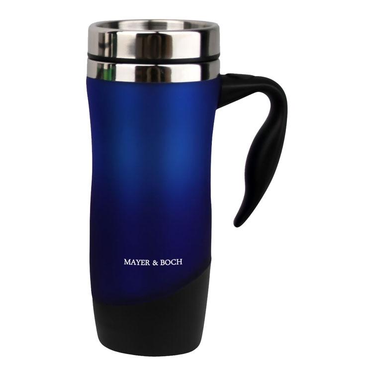 Термокружка Mayer & Boch, цвет: синий, 480 мл23801_синийГерметичная термокружка Mayer & Boch удобна для использования в быту, походе и путешествиях. Подходит для горячих и холодных напитков. Оснащена крышкой с системой быстрого открывания для легкого питья. Внешняя стенка выполнена из высококачественного пластика, внутренняя из нержавеющей стали. Ручка и крышка - полипропилен. Диаметр по верхнему краю: 8 см. Диаметр дна: 6,5 см. Высота: 21 см.