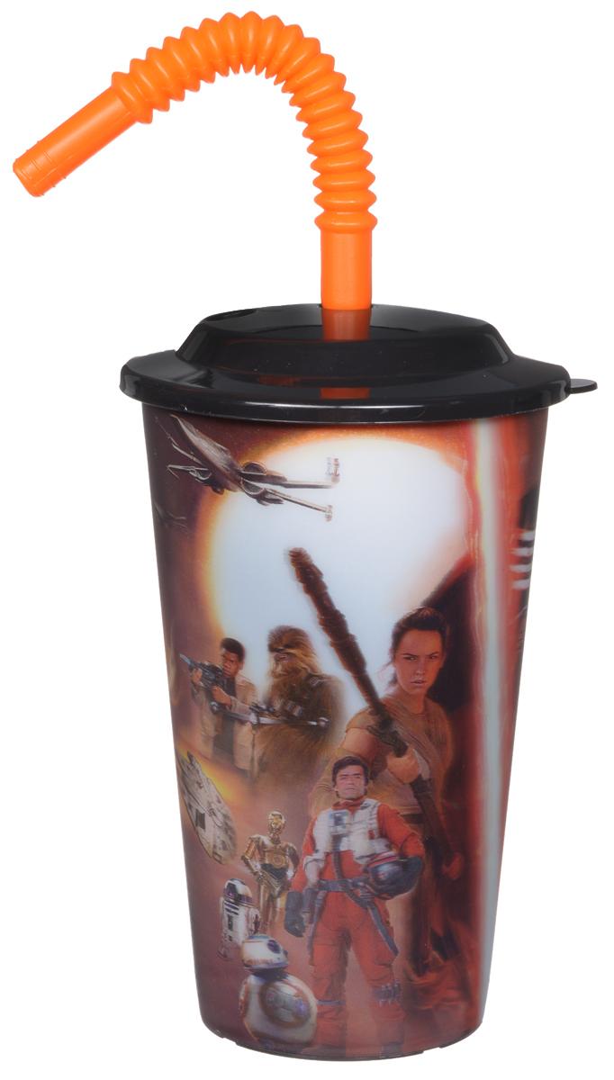 Star Wars Стакан детский с крышкой и трубочкой Пробуждение силы 600 млSW7TS600-1Детский стакан Star Wars Пробуждение силы станет отличным подарком для любого фаната знаменитой саги. Он выполнен из полипропилена и оформлен 3D-рисунком с изображением различных сцен из фильма Звездные войны: Пробуждение силы. Стакан имеет съемную крышку и сгибающуюся трубочку для удобства питья. Объем стакана: 600 мл. Не подходит для использования в посудомоечной машине и СВЧ-печи.