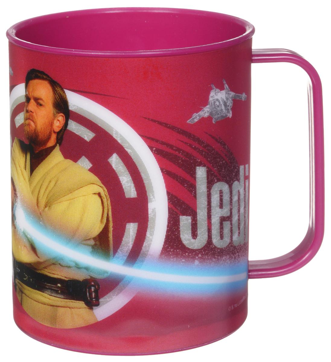 Star Wars Кружка детская Джедай 325 млSWM325-03Детская кружка Star Wars Джедай станет отличным подарком для любого фаната знаменитой саги. Она выполнена из полипропилена и оформлена рисунком с изображением джедая Оби-Вана Кеноби. Специальное покрытие с отливом делает изображение на кружке более объемным. Объем кружки: 325 мл. Не подходит для использования в посудомоечной машине и СВЧ-печи.