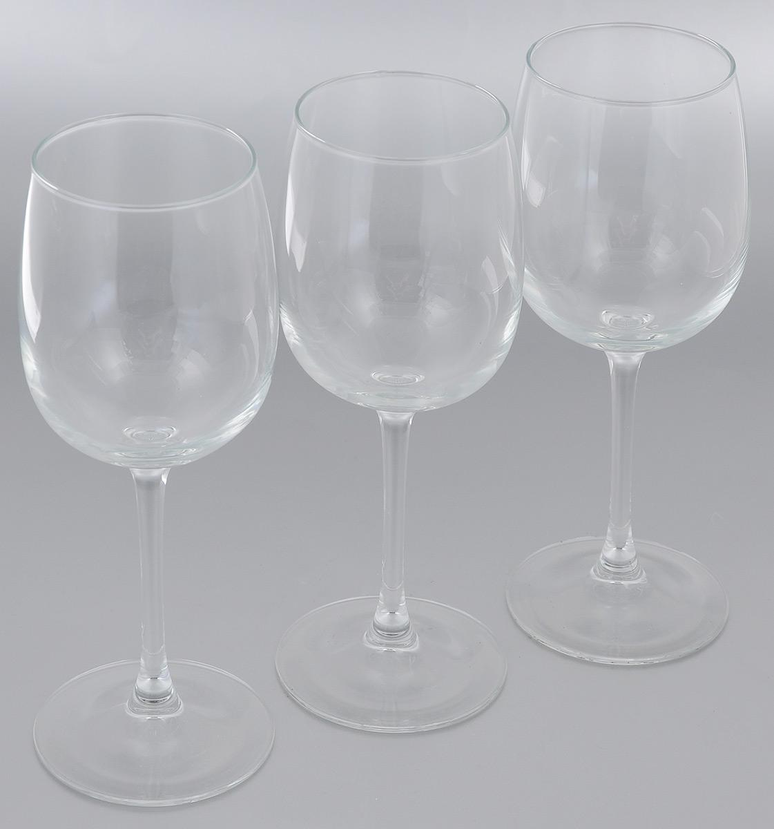 Набор фужеров для вина Luminarc Аллегресс пикник, 420 мл, 3 штL1029Набор Luminarc Аллегресс пикник состоит из трех фужеров, выполненных из прочного стекла. Изделия оснащены высокими ножками. Фужеры предназначены для подачи вина. Они сочетают в себе элегантный дизайн и функциональность. Благодаря такому набору пить напитки будет еще вкуснее. Набор фужеров Luminarc Аллегресс пикник прекрасно оформит праздничный стол и создаст приятную атмосферу за романтическим ужином. Такой набор также станет хорошим подарком к любому случаю. Можно мыть в посудомоечной машине. Диаметр фужера (по верхнему краю): 7 см. Высота фужера: 22 см.