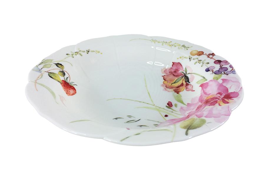 Набор суповых тарелок Colombo Розанна, диаметр 21,5 см, 2 штC3-YW007-C0228-ALНабор Colombo Розанна, выполненный из высококачественного костяного фарфора, состоит из 2 суповых тарелок и предназначен для красивой сервировки блюд. Изделия украшены ярким изображением цветов и имеют изысканный внешний вид. Набор сочетает в себе стильный дизайн с максимальной функциональностью. Оригинальность оформления изделий придется по вкусу и ценителям классики, и тем, кто предпочитает утонченность и изящность. Рекомендуется мыть в теплой воде с применением мягких моющих средств.