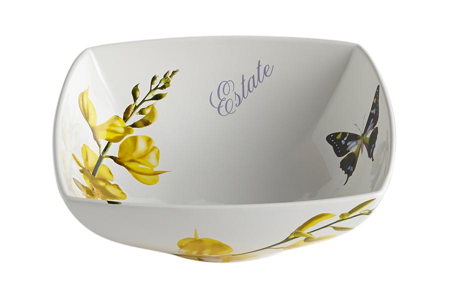 Салатник Лето. CV2-43136-ALCV2-43136-ALКерамическая посуда итальянской фабрики «Ceramiche Viva» известна не только своим превосходным качеством, но и удивительными, неповторимыми дизайнами, отличающими ее от любой другой керамической посуды.Помимо внешней привлекательности посуда «Ceramiche Viva» обладает и прекрасными практическими свойствами: посуду «Ceramiche Viva» можно мыть в посудомоечной машине и использовать в микроволновой печи. Не разрешается применять при мытье посуды абразивные порошки. Поверхность изделий покрыта высококачественной глазурью, не содержащей свинца.