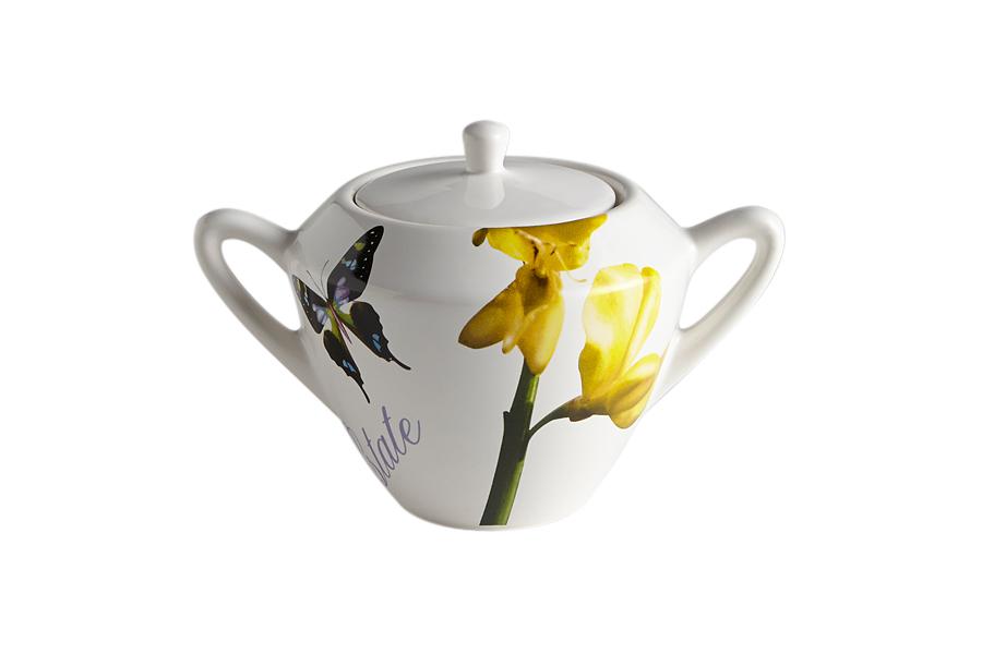 Сахарница Лето. CV2-43186-AL - Ceramiche VivaCV2-43186-ALКерамическая посуда итальянской фабрики «Ceramiche Viva» известна не только своим превосходным качеством, но и удивительными, неповторимыми дизайнами, отличающими ее от любой другой керамической посуды.Помимо внешней привлекательности посуда «Ceramiche Viva» обладает и прекрасными практическими свойствами: посуду «Ceramiche Viva» можно мыть в посудомоечной машине и использовать в микроволновой печи. Не разрешается применять при мытье посуды абразивные порошки. Поверхность изделий покрыта высококачественной глазурью, не содержащей свинца.