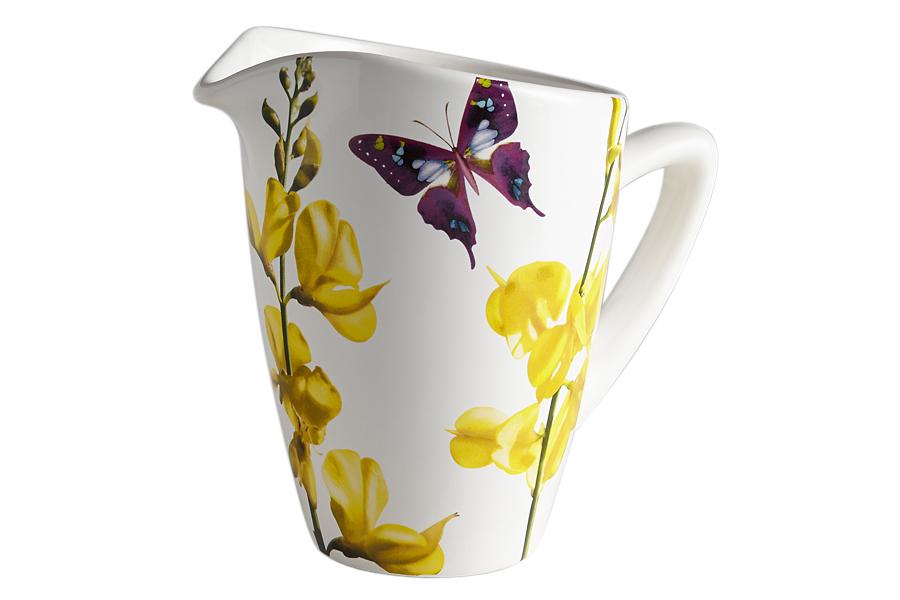 Кувшин Лето. CV2-43192-ALCV2-43192-ALКерамическая посуда итальянской фабрики «Ceramiche Viva» известна не только своим превосходным качеством, но и удивительными, неповторимыми дизайнами, отличающими ее от любой другой керамической посуды.Помимо внешней привлекательности посуда «Ceramiche Viva» обладает и прекрасными практическими свойствами: посуду «Ceramiche Viva» можно мыть в посудомоечной машине и использовать в микроволновой печи. Не разрешается применять при мытье посуды абразивные порошки. Поверхность изделий покрыта высококачественной глазурью, не содержащей свинца.