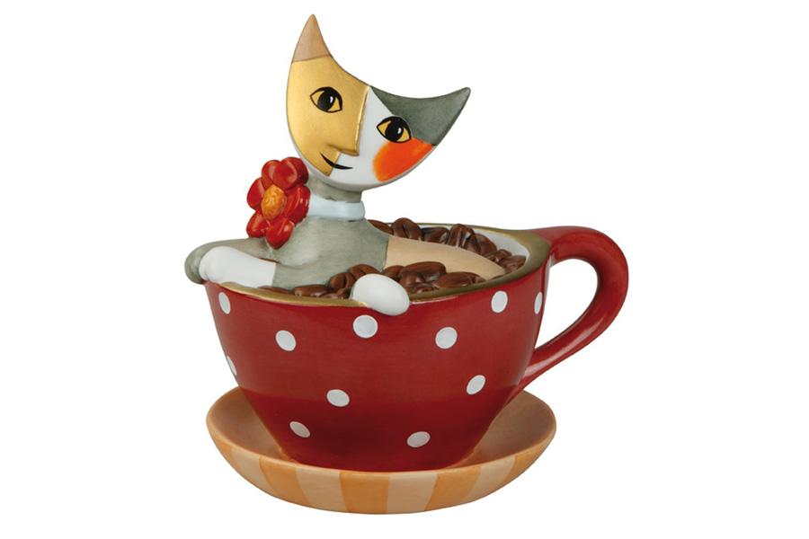 Копилка Goebel Чашка с кофе, высота 13 смGO66882754ALКопилка Goebel Чашка с кофе изготовлена из качественного фарфора по мотивам работ Розины Вахтмайстер. Изделие отлично подойдет в качестве оригинального подарка, который принесет массу положительных эмоций владельцу. Коллекции Goebel созданы по мотивам известных художников. Среди них Винсент ван Гог (VanGogh), Клод Моне (Monet), Густав Климт (Klimt), Альфонс Муха (Mucha), Огюст Ренуар (Renoir), Йохан Лоренц Дженсен (Jensen), Сезан (Cezanne), Рембрандт (Rembrandt). Все изделия Goebel выпущены ограниченным тиражом, снабжены паспортом с персональным номером и снабжены фирменным клеймом, это обеспечивает дополнительную защиту от подделок.