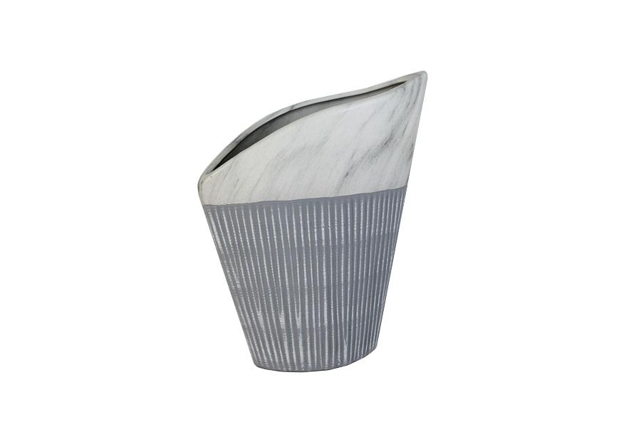 Ваза SDJ Копенгаген, высота 27 смSDJ-12-601970-1-ALИзящная ваза SDJ Копенгаген, изготовленная из высококачественной керамики, выполнена в этническом стиле. Она красиво переливается и излучает приятный блеск. Изделие имеет оригинальную форму, что делает ее изумительным украшением интерьера. Ваза SDJ Копенгаген дополнит интерьер офиса или дома и станет желанным и стильным подарком. Высота вазы: 27 см.