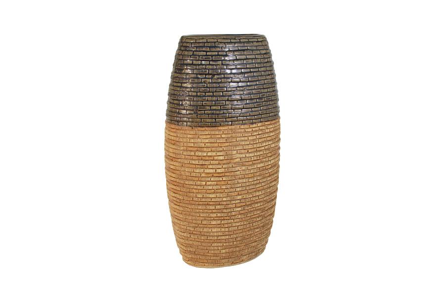 Ваза SDJ Мадагаскар, высота 31 смSDJ-41-601021-2-ALИзящная ваза SDJ Мадагаскар, изготовленная из высококачественной керамики, выполнена в этническом стиле. Она красиво переливается и излучает приятный блеск. Изделие имеет оригинальную форму, что делает ее изящным украшением интерьера. Ваза SDJ Мадагаскар дополнит интерьер офиса или дома и станет желанным и стильным подарком. Высота вазы: 31 см.