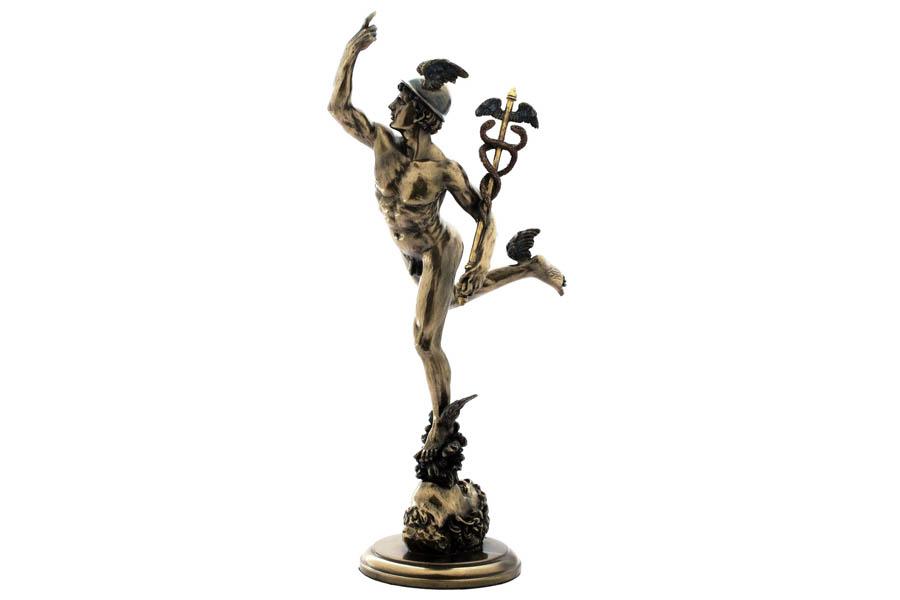 Статуэтка Veronese Гермес, высота 37,5 смVWU75516A4ALДекоративная статуэтка Veronese Гермес изготовлена из полистоуна бронзового цвета. Изделие выполнено в виде древнегреческого бога ловкости и красноречия - Гермеса, в крылатых сандалиях и со своим традиционным жезлом (кадуцей). Вы можете поставить статуэтку в любом месте, где она будет удачно смотреться и радовать глаз. Такая фигурка прекрасно дополнит интерьер офиса или дома. Veronese - это торговая марка, представляющая широкий ассортимент художественных изделий из полистоуна, выполненных по эскизам итальянских дизайнеров и художников.