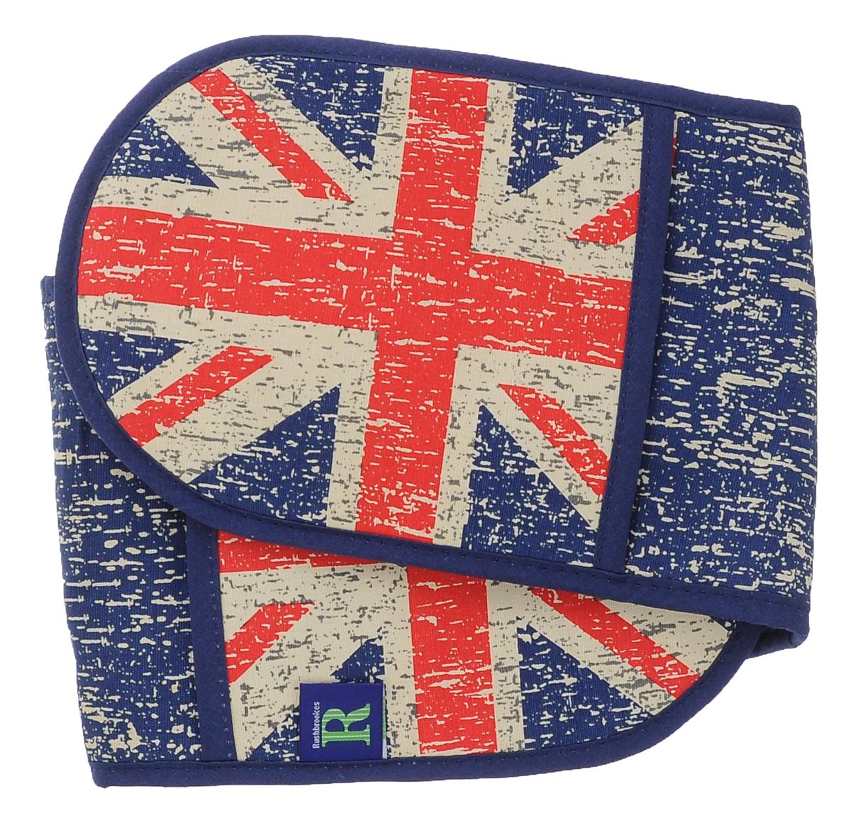 Прихватка двойная Rushbrookes Британский флаг, цвет: синий, красный, бежевый16164601Двойная прихватка Rushbrookes Британский флаг изготовлена из высококачественного хлопка и оформлена ярким рисунком. Изделие надевается на обе руки, что обеспечивает комфортное и безопасное использование. Внутри прихватка имеет плотный полиэстеровый наполнитель с ПВХ слоем, который защищает от проникновения внутрь пара и жира. Прихватка снабжена петелькой, благодаря которой ее можно повесить на крючок. Такая прихватка пригодится на любой кухне, она сбережет ваши руки при контакте с горячими предметами. Размер: 85 см х 19 см.