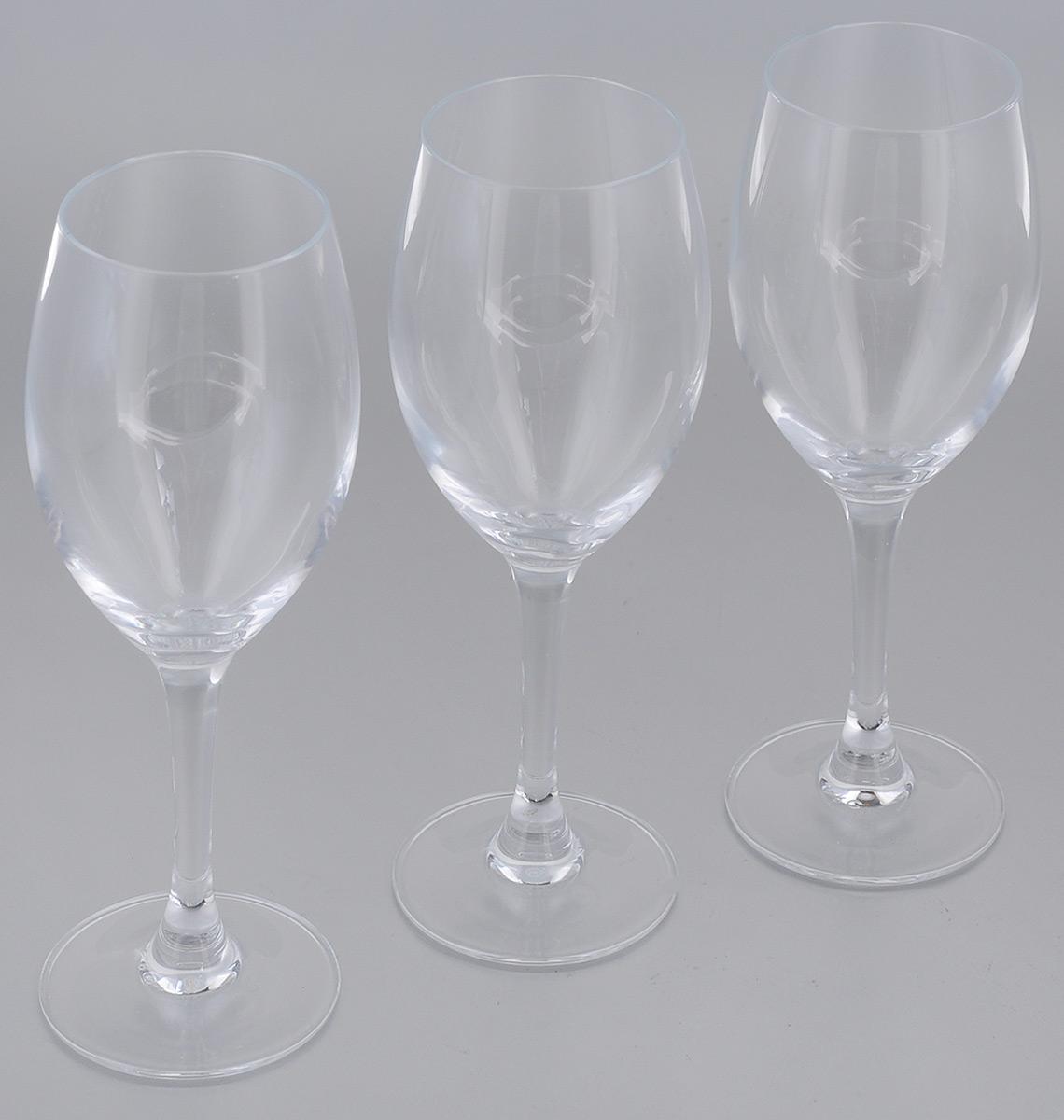 Набор фужеров для вина Luminarc Felicity, 190 мл, 3 штH5344Набор Luminarc Felicity состоит из трех фужеров, выполненных из прочного стекла. Изделия оснащены высокими ножками. Фужеры предназначены для подачи вина. Они сочетают в себе элегантный дизайн и функциональность. Благодаря такому набору пить напитки будет еще вкуснее. Набор фужеров Luminarc Felicity прекрасно оформит праздничный стол и создаст приятную атмосферу за романтическим ужином. Такой набор также станет хорошим подарком к любому случаю. Диаметр фужера (по верхнему краю): 5,2 см. Высота фужера: 17,5 см.